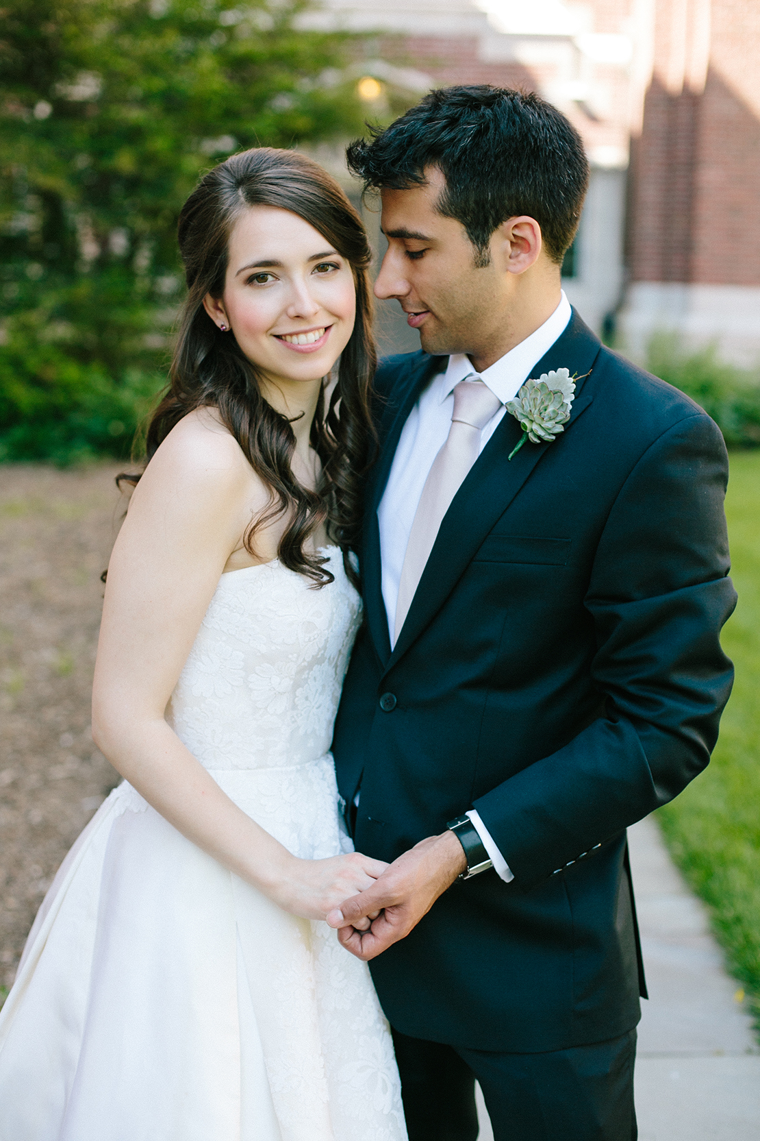 06_wellesley_college_club_wedding_first_look_bride_groom_portrait