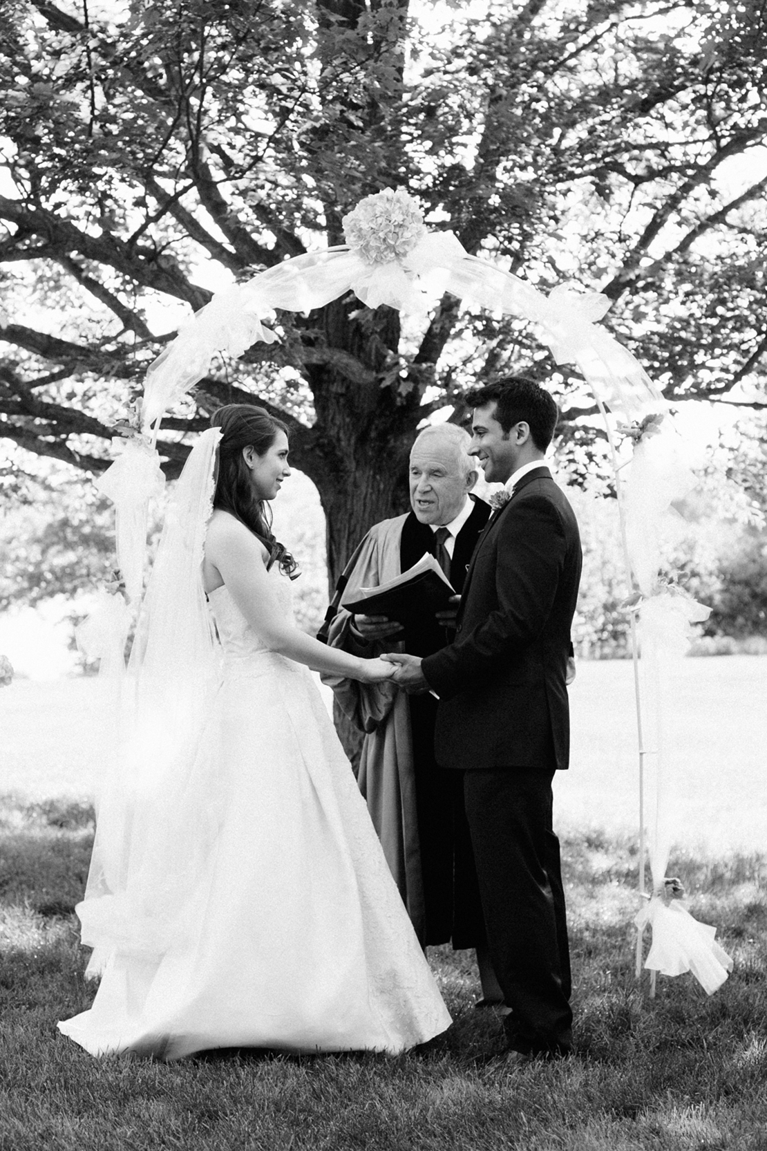27_Wellesley_Wedding_outdoor_ceremony