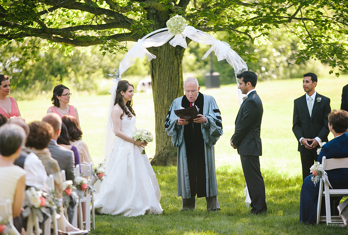 28_Wellesley_Wedding_outdoor_ceremony