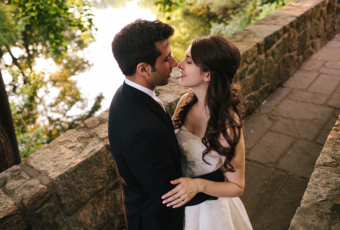60_Wellesley_College_club_bridge_wedding_photography
