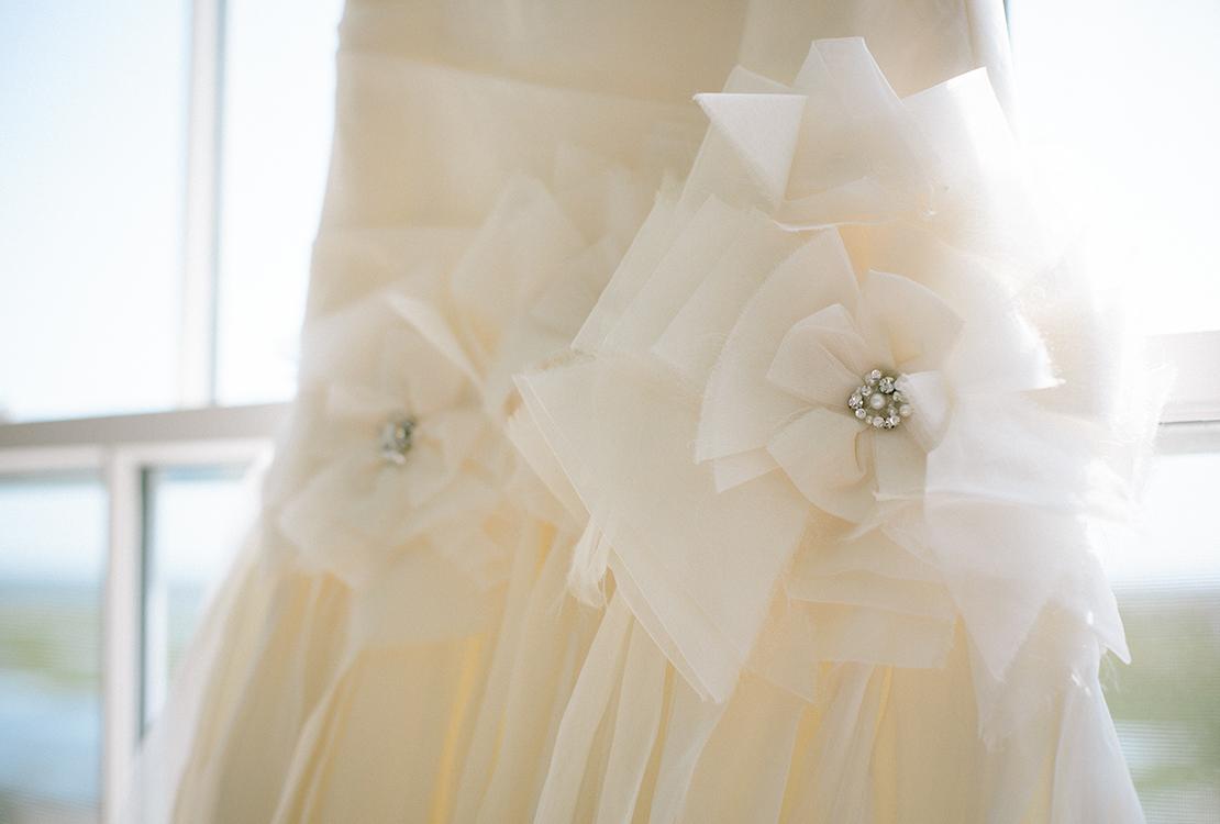 02_wedding_dress_detail