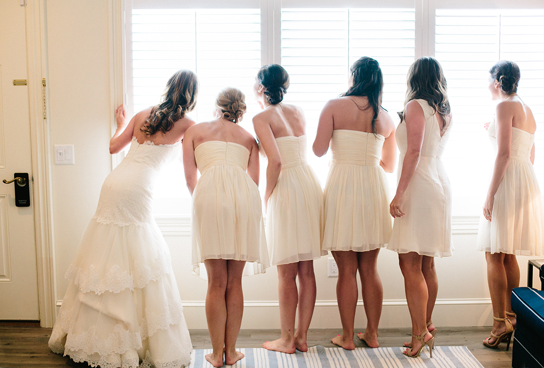 05_Wychmere_beach_club_bridesmaids_look_out_window