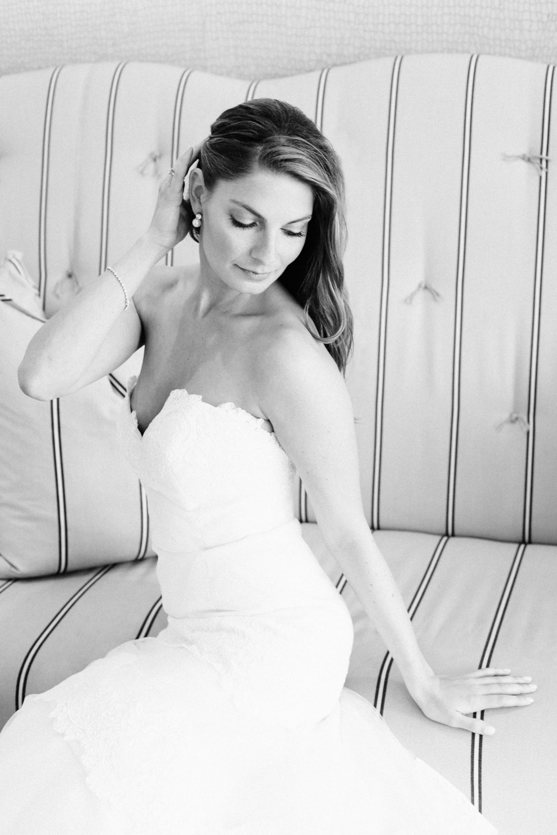 19_bride_portrait_b&w_wychmere_beach_club_cape_cod_wedding_photography_classic_beauty