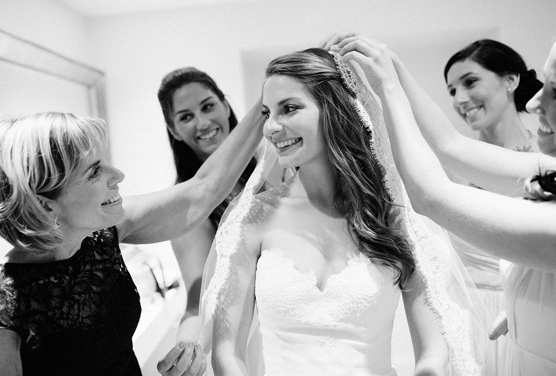 22_putting_on_wedding_veil