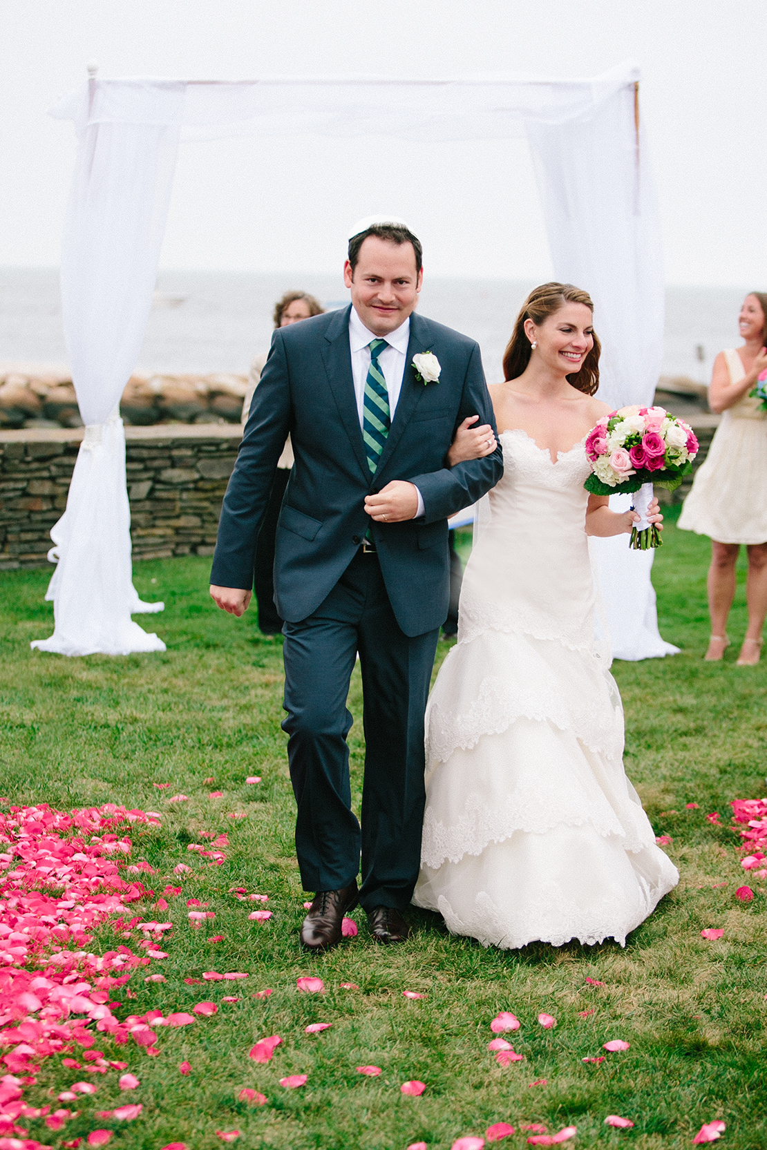 32_wychmere_beach_club_lawn_wedding_ceremony_cape_cod_photography