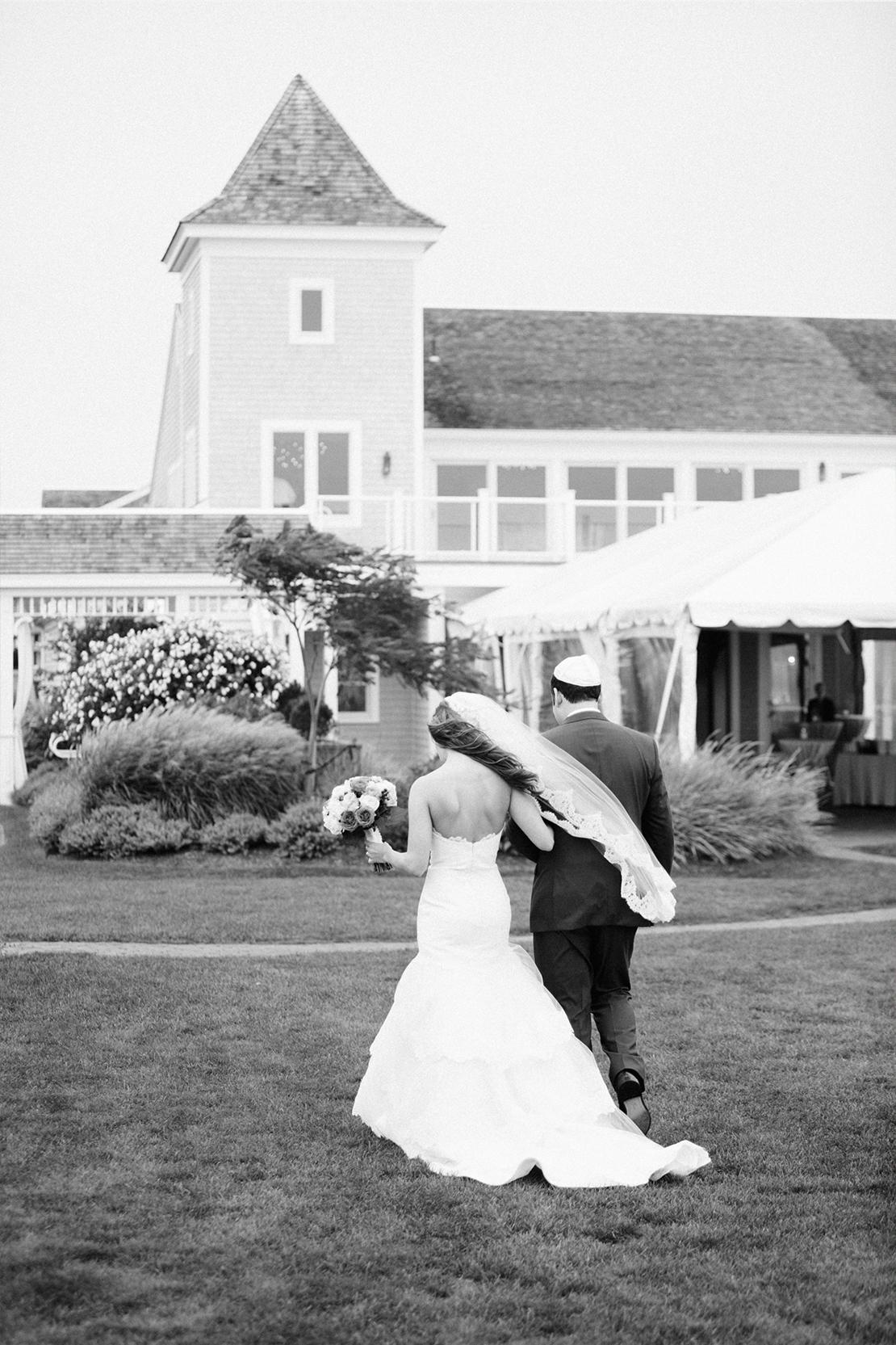 33_wychmere_beach_club_lawn_wedding_ceremony_cape_cod_photography
