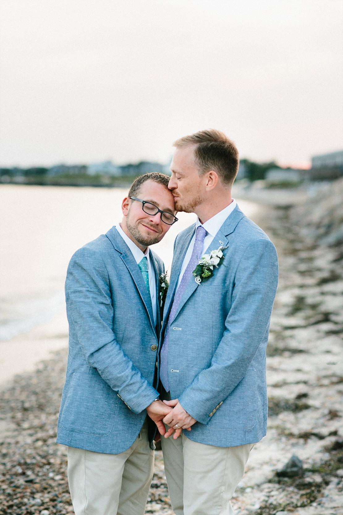 17_heidi_vail_falmouth_wedding_photography_falmouth_Cape_Cod_sweet_kiss