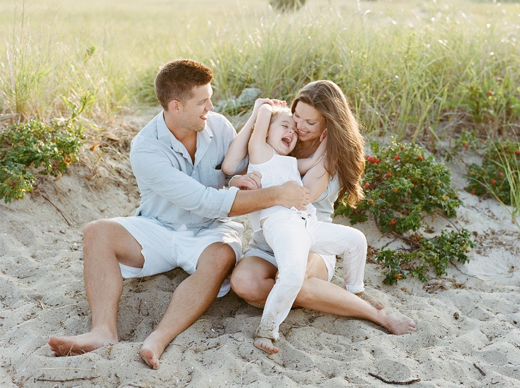 01_falmouth_beach_family_portrait_photography_fun_session