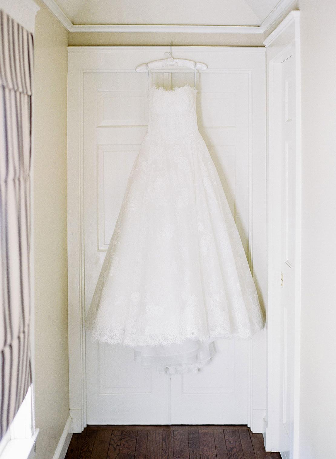 01_monique_lhuillier_lace_wedding_gown_Charles_Orvis_Inn_Equinox_Resort_Vermont