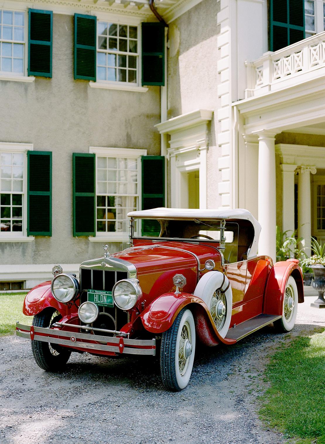 16_classic_car_red_hildene_vermont_wedding