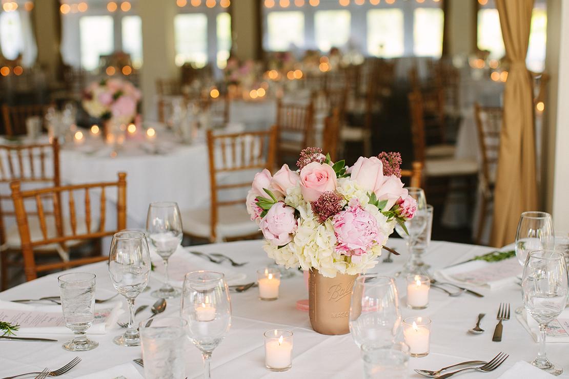 31_gold_mason_jars_Hildene_vermont_wedding