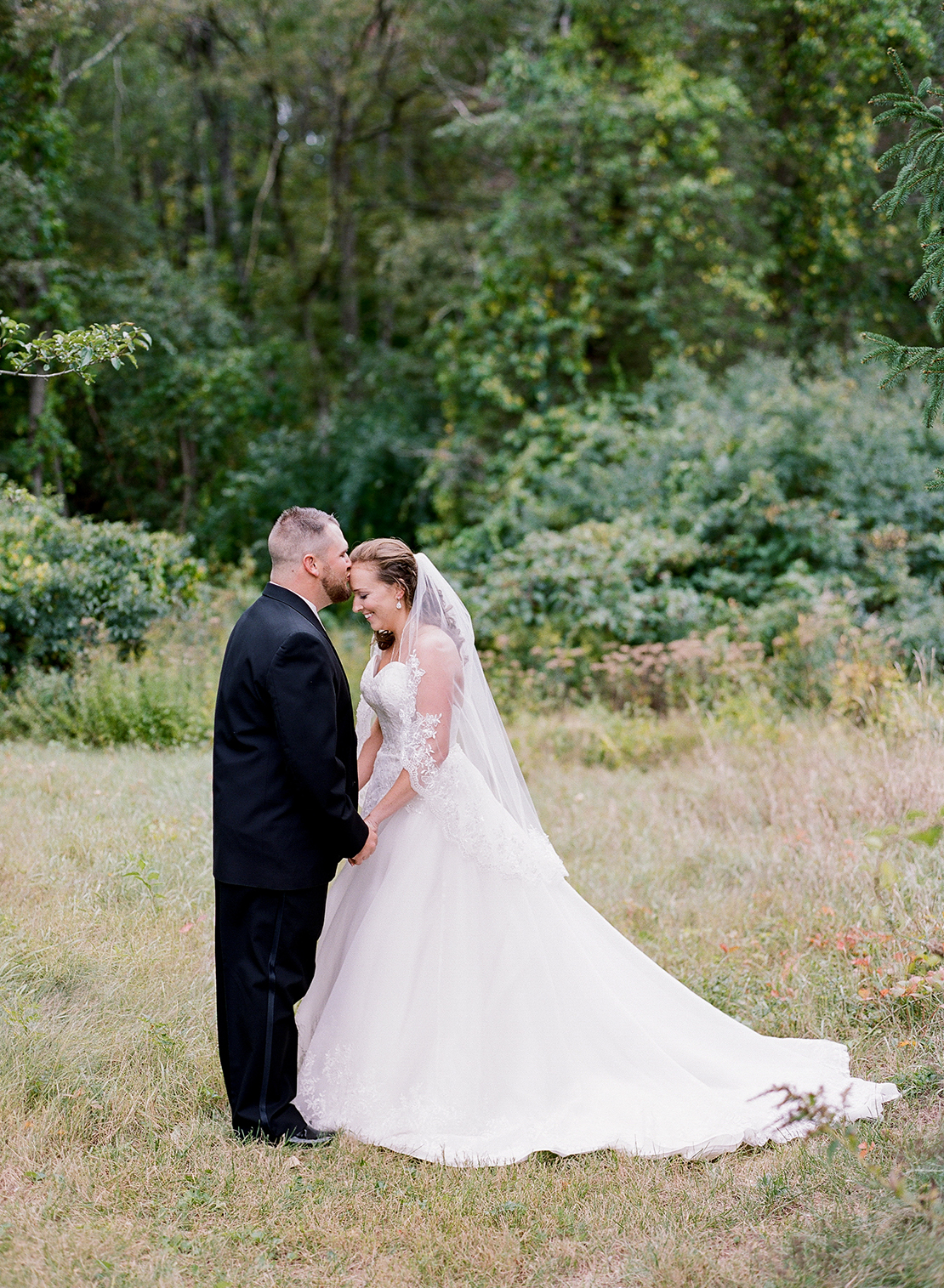 new_england_wedding_photography_pierce_house_lincoln_first_look