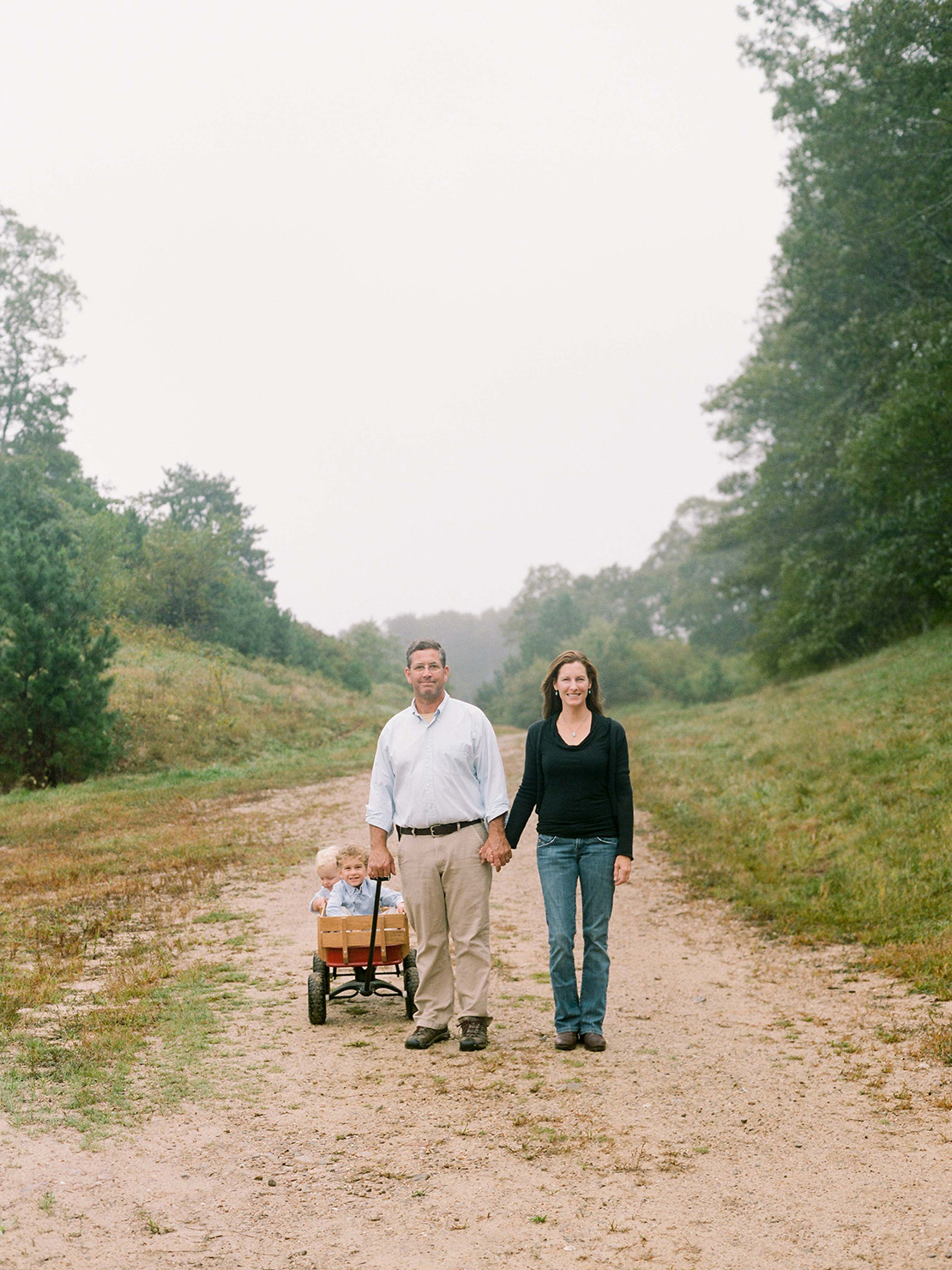 01_Cape_Cod_Family_portrait_Photographer_heidi_vail_cranberry_bogs_misty
