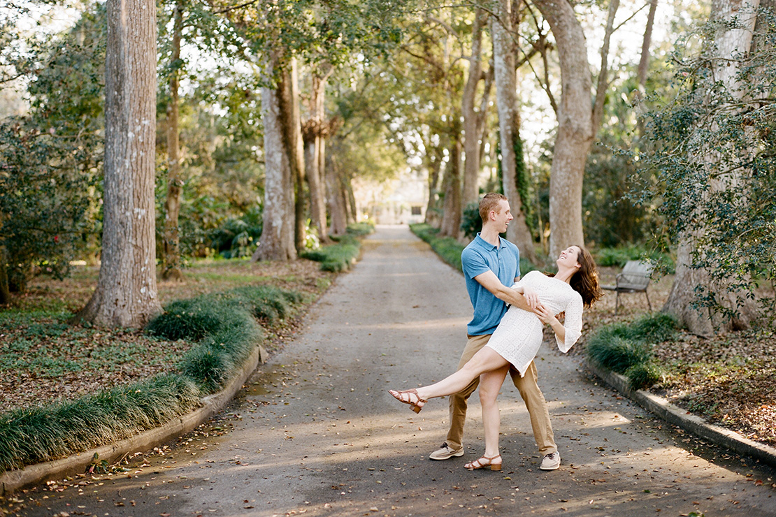 Heidi Vail Photography | Engagement Session at Leu Gardens in Orlando, Florida | Destination Fine Art Wedding Photographer | Dance & Dip